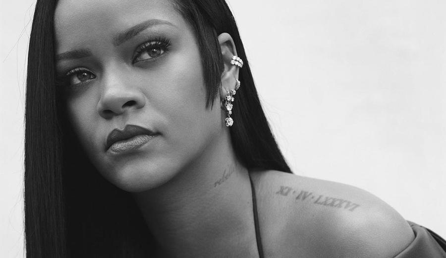 Rihanna-anuncia-lancamento-de-um-perfume