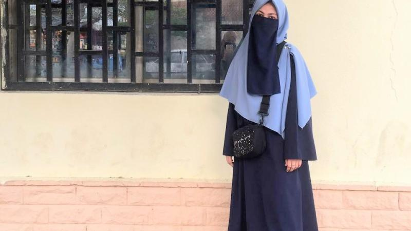 Siti Nurafifah Merupakan Santriwati Asal Sukabumi yang saat ini menjadi Mahasiswi Universitas Al Azhar Kairo, Mesir. Ia sudah tinggal disana selama 4 Tahun yang juga ikut terdampak Wabah Virus Corona (Covid-19).