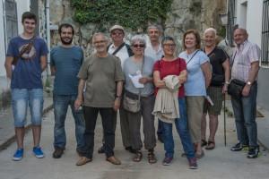L'assemblea de Sants visitant el Turó