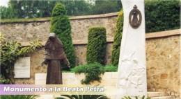 Estatua de Beata Petra