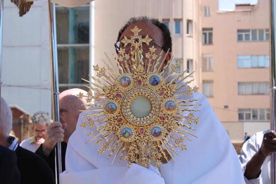 Procesión Custodia. Santuario San José de la Montaña. Barcelona