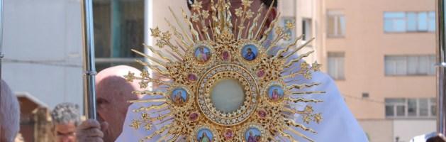 Exposición del Santíssimo Jueves 19 de Abril