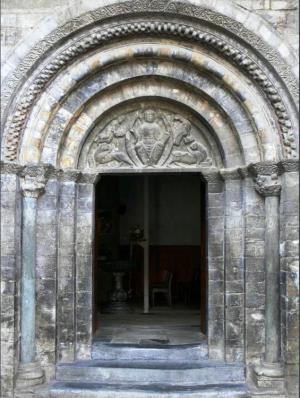 iglesia-luz-saint-sauveur-1