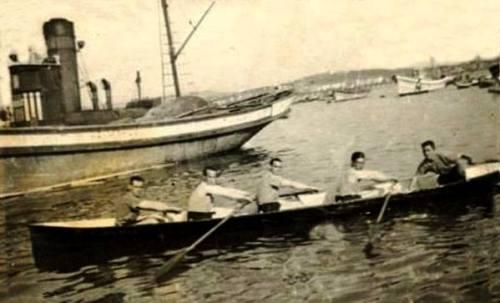 Luis Ortiz de Guinea en proa, Pilili ,Osmundo, Txatuka y Manolón 1945