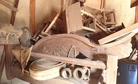 南獅子組の蔵に保管されている「だんじり」