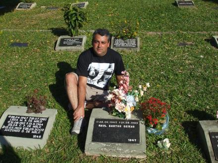 Visita ao túmulo de Raul Seixas - Ago/2016