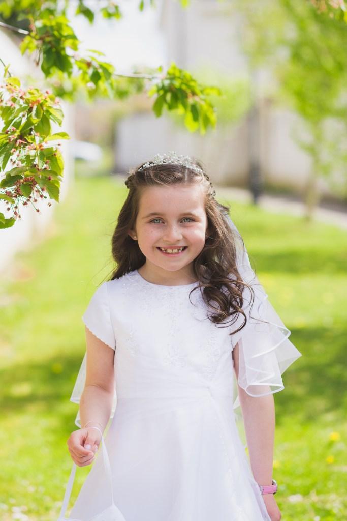 communion portrait photography, first holy communion dress girl portrait