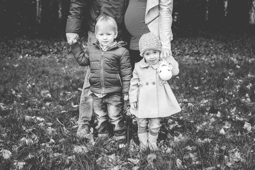 family lifestyle outdoor photography children portrait