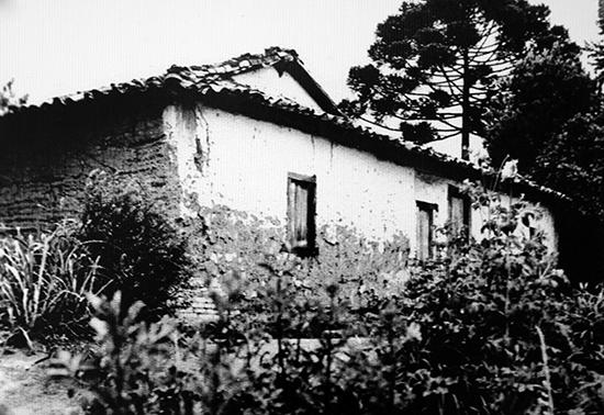 O Sítio Mirim em 1945, quando ainda não estava em ruínas (clique para ampliar).