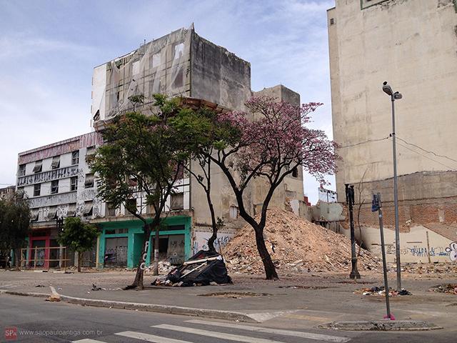 """Região é uma espécie de """"Faixa de Gaza Paulistana"""" - Clique para ampliar."""