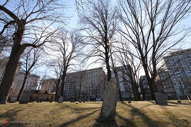 Central Burying Ground no centro de Boston (MA) - Clique na foto para ampliar.
