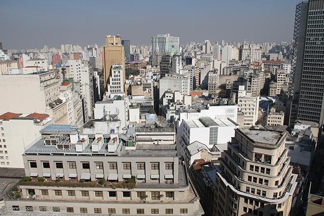 A Selva de Pedra paulistana vista do terraço do Prédio Martinelli (clique para ampliar)