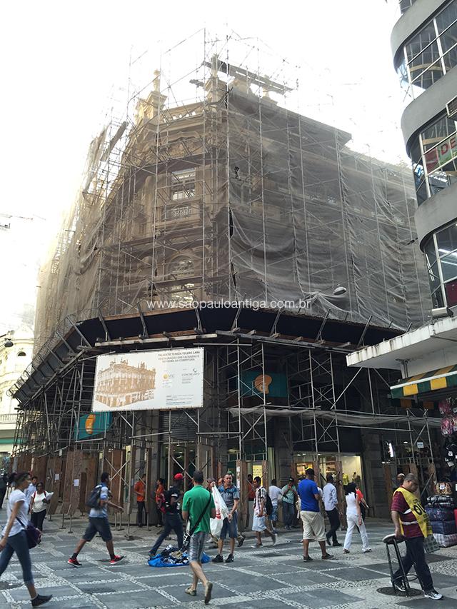 O palacete no início de 2015, durante a reforma
