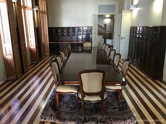 Salão principal (clique na foto para ampliar)