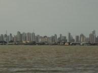 Vista de Belém da Ilha do Combu...