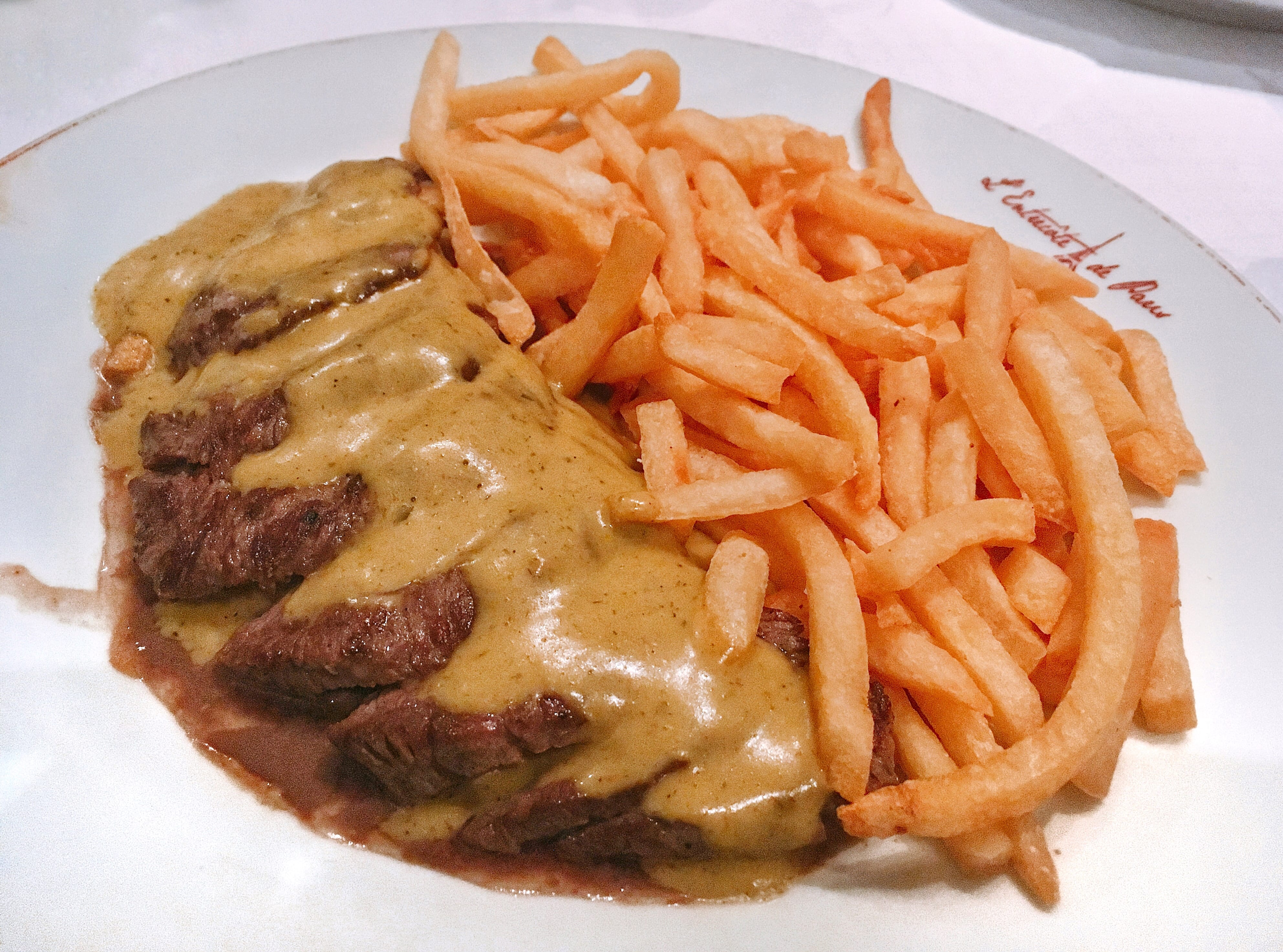 L'Entrecôte de Paris – O restaurante de um só prato (delicioso)!