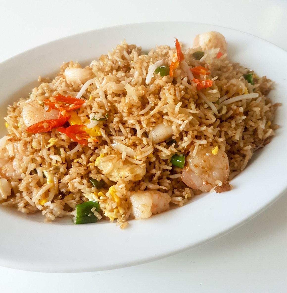 Gebakken rijst met reuze garnalen