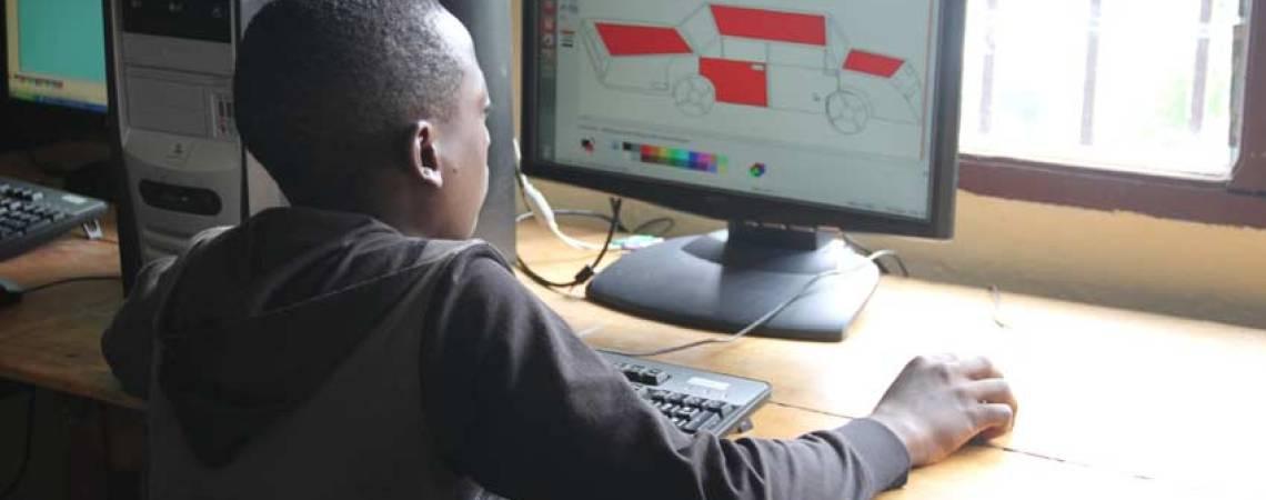 La créativité en action d'un enfant camerounais
