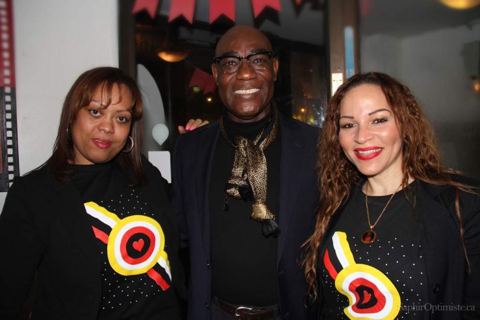 trio - joie - afrique - haiti - humanité - unité - saphir optimiste - photoptimiste - humanisme - Montréal
