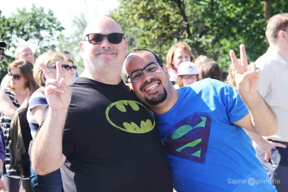 mtllaplusheureusse-cridejoie-saphiroptimiste-franckbillaud-batman-superman-lunettes