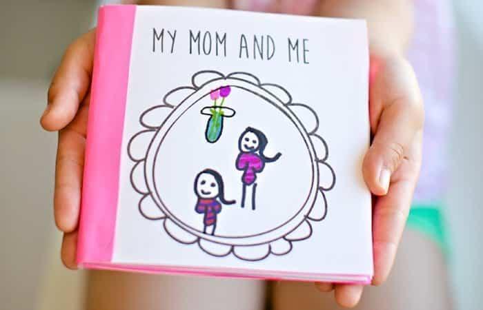 Manualidades infantiles del Día de la Madre, libro personalizado