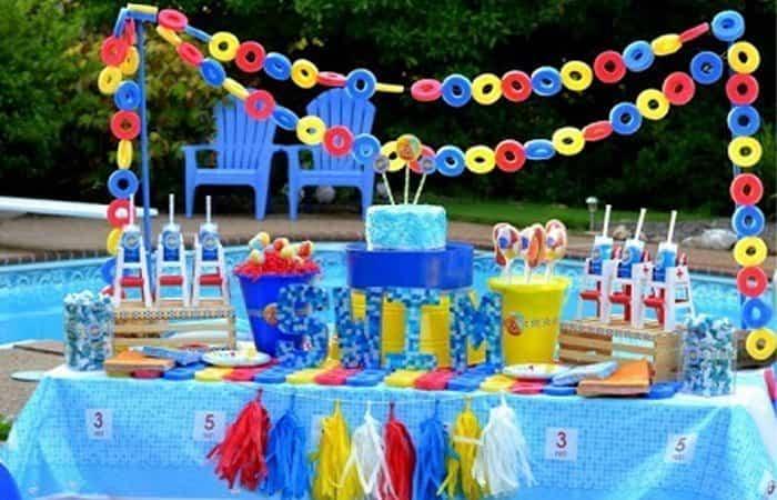 Decorar una fiesta en la piscina