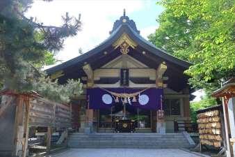 弥彦神社  本殿