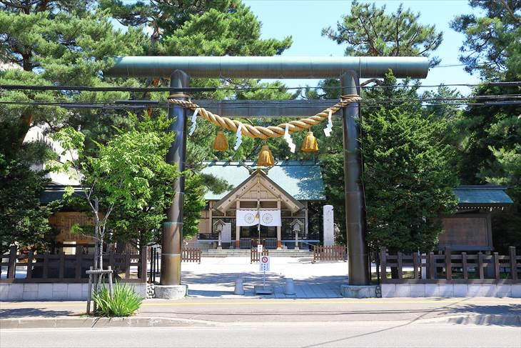 白石神社 入口と鳥居