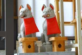 清田稲荷神社 お狐さま