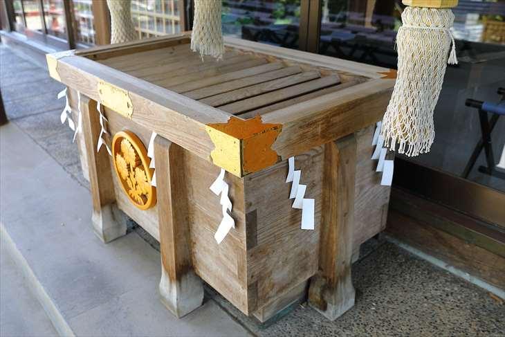 信濃神社 賽銭箱
