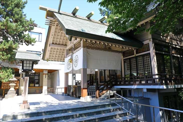 白石神社 社殿