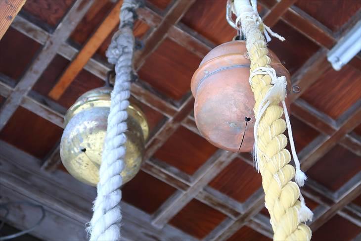 札幌諏訪神社 社殿の鈴