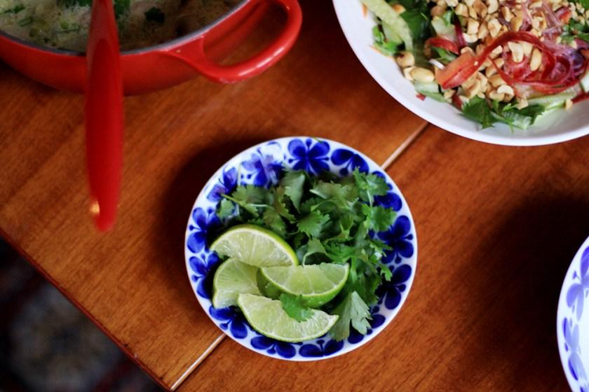 citrongrässoppa med nudelsallad