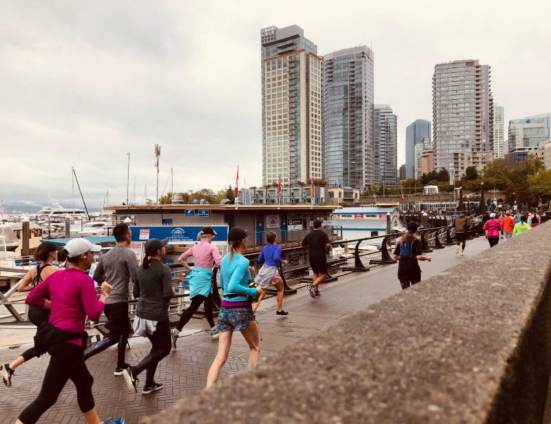 吸引萬人的溫哥華 21.1 km 半馬大賽-Lululemon SeaWheeze half Marathon2018 (Sara X 樂遊人合作文章)