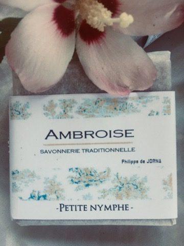 Ambroise Savonnerie : savons et shampoing solide au miel.