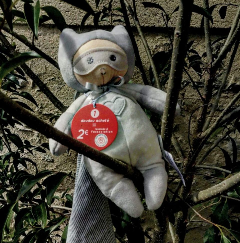 Kaloo, un doudou super héros qui œuvre pour l'association « Petit Cœur de Beurre »