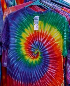 T shirt spirale arc en ciel