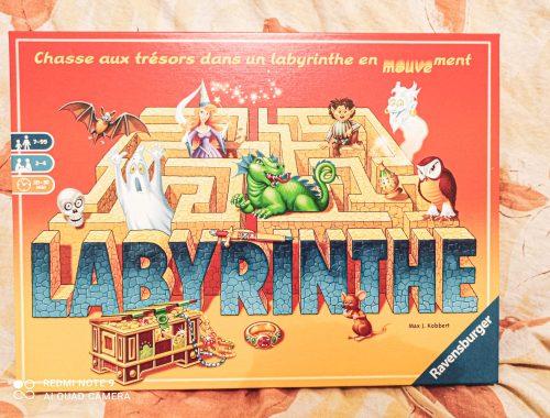 Zoom & avis sur le jeu Labyrinthe de Ravensburger. En quoi est ce un jeu de plateau incontournable à absolument avoir chez soi ?