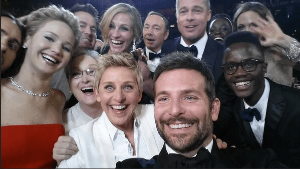 The Photo That Broke Twitter Ellen DeGeneres Oscars Photo