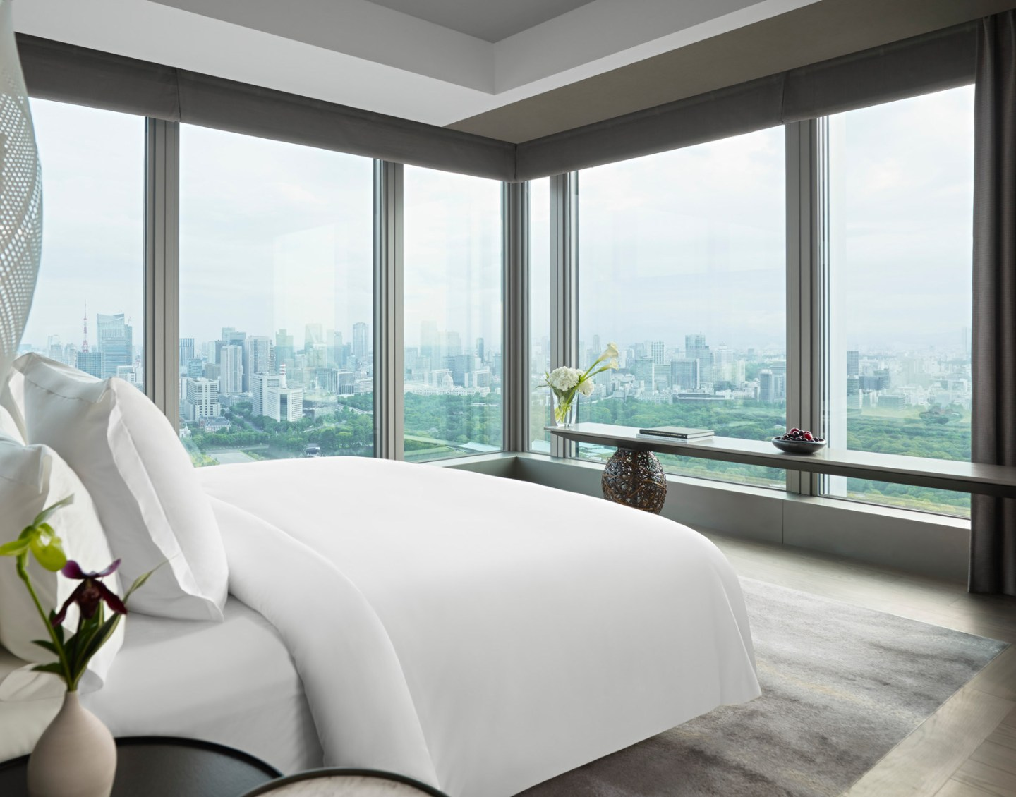 New Four Seasons Hotel Tokyo Soars Above the City