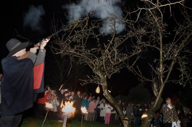 Wassailing ceremony, Sompting Village Morris, Tarring, Sussex