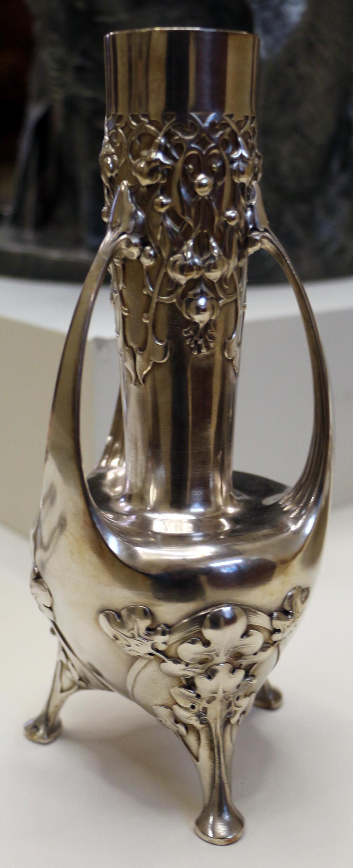Vase. 1904.
