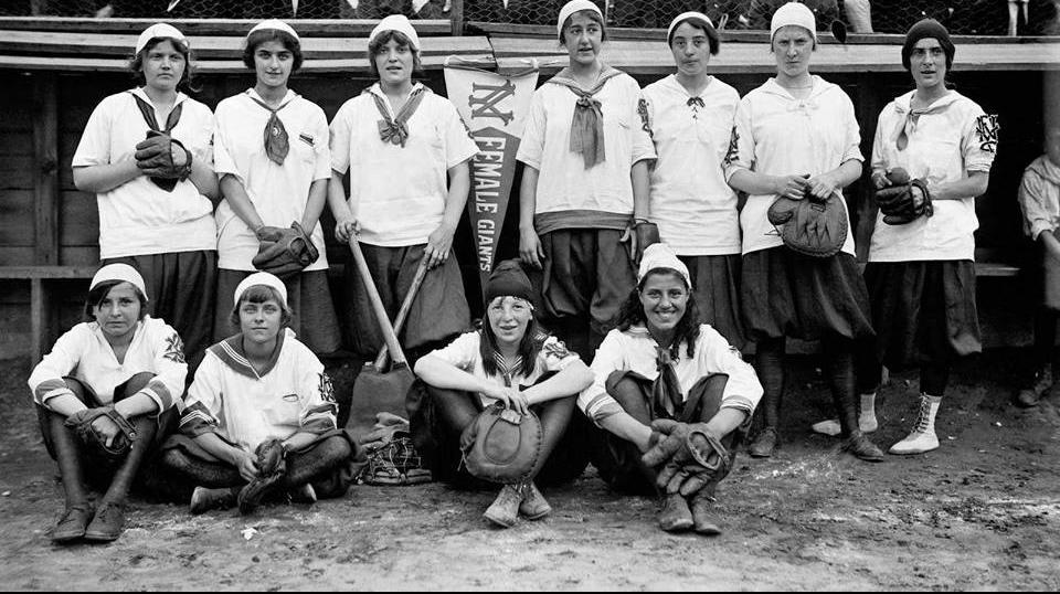 1913 New York Female Giants team.