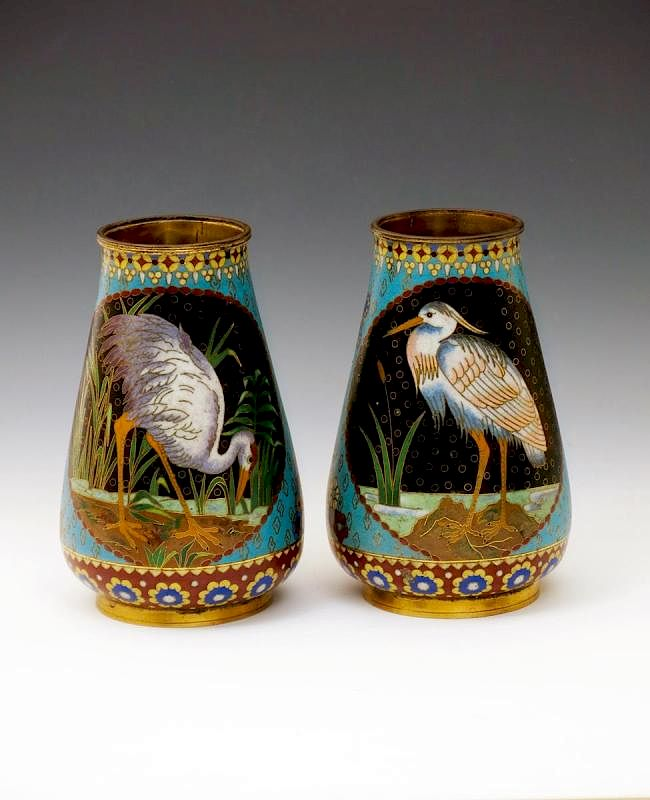 Pair of vases with birds. Undated.