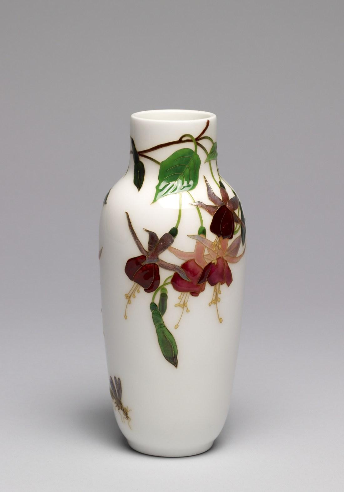 Fuchsia vase. ca. 1907.