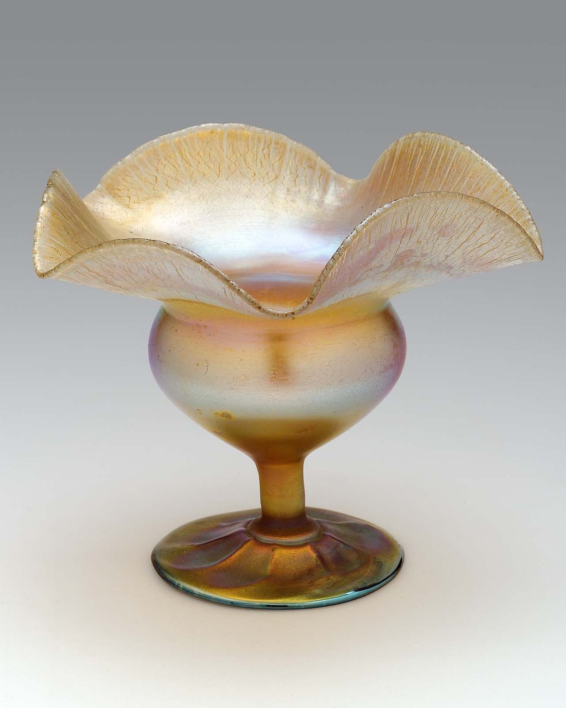 Footed bowl. ca. 1909.