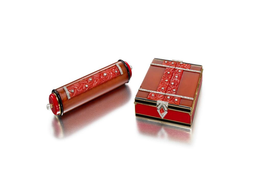"""""""Rose"""" design compact and lipstick baton. ca. 1928."""