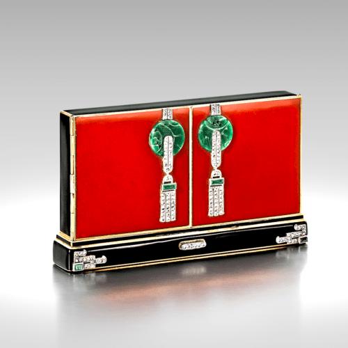 """""""Imperial Door"""" vanity case. ca. 1924."""