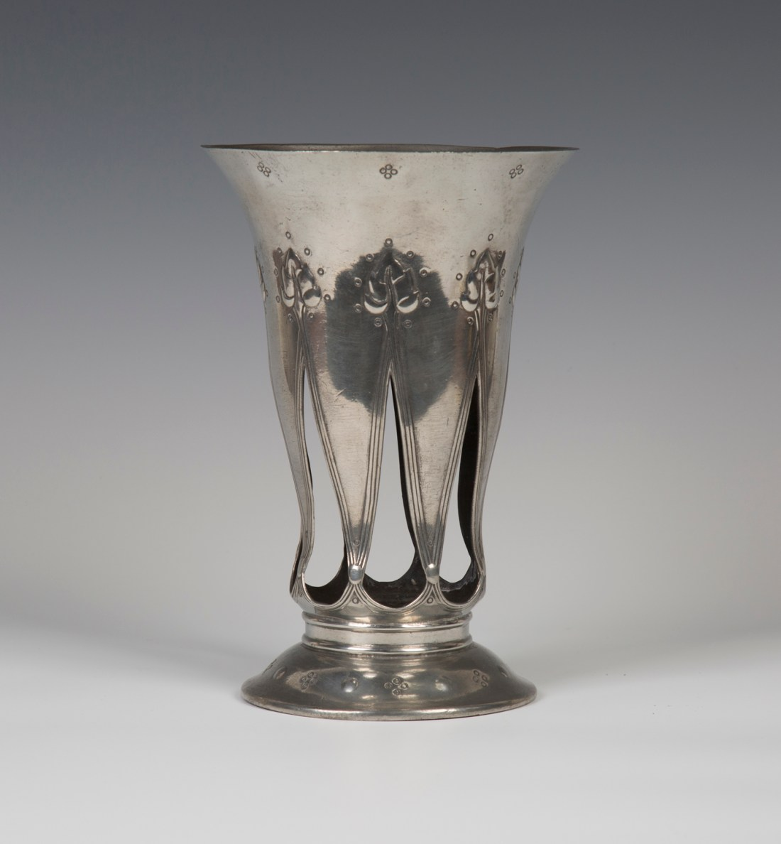 """Vase with a flared trumpet form, model number """"01040."""" ca. 1902."""