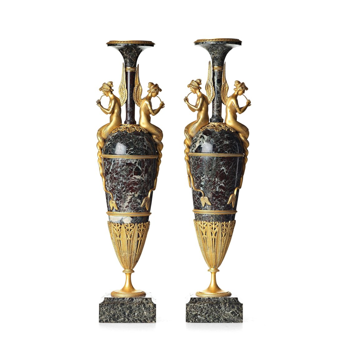 Pair of vases. Second half of the 19th century.